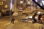 جرافات الاحتلال تهدم منزلي ابناء العم مخامرة في يطا