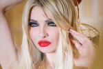 العارضة اللبنانية ميريام كلينك تخلع ملابسها الداخلية بفيديو جريء!!