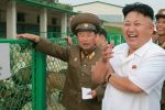 فيديو| زعيم كوريا الشمالية فَعَلَ ما لا يمكن أن يفعله أحد قرب صاروخ باليستي!!