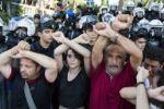 الشرطة التركية تستخدم مدافع المياه لمنع احتجاجات في اسطنبول