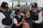 """اولمبياد لندن: صدور عارية تحتج على """"تجاوزات الدول الاسلامية"""""""