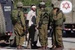 الاحتلال يخرج عشرات المواطنين للعراء في حي جبل الرحمة بالخليل