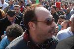 خالد صالح يهتف ضد مرسي حتى فقد الوعي في الميدان
