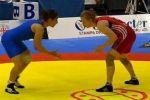 يديعوت: مصارعة مصرية (تعض) إسرائيلية