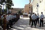 لأول مرة منذ احتلال الخليل..جيش الاحتلال يقيم مراسيم عسكرية بالحرم الابراهيمي