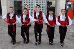 أطفال بلغار يقدمون عرضا فنيا وسط بيت لحم