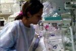 شاهد الفيديو ..امرأة من غزة عمرها 21 عام تنجب 11 طفلا
