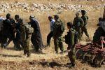 جنين: الاحتلال يعتقل مواطنا ويستولي على جرار زراعي في بير الباشا