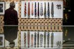 معرض في زيورخ يغوص في تفاصيل ربطات العنق