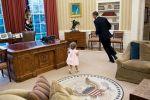 أوباما يتعرض لهجوم بسبب صورة طفلة تطارده