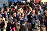 الآلاف يشاركون في فعاليات زيارة فريق برشلونة التاريخية