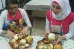 تجربة  طفولية في رمضان  الأطفال يطبخون ويعدون وجبات الطعام ويدعون للإفطار