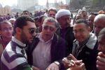 """د.إسلام أسامة يؤدى صلاة الجمعة بـ""""رابعة العدوية"""" وسط مظاهرات """"نصرة القدس"""