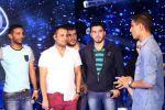 محمد عساف يشعل مسرح