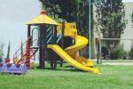 سكانها رفضوا إنشاء ألعاب للأطفال قرية ألبانية أصغر شخص فيها عمره 40 عاماً