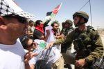 الاحتلال يعتقل أربعة أسرى محررين من بيت أمر بالخليل