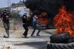 اصابة شاب اثر فض قوى الامن لاحتجاجات مواطنين في مخيم بلاطة