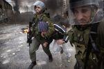 قوات الاحتلال تعتقل أسيرًا محررًا من صوريف بالخليل