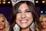 الأرجنتينية ميكالا لوبيز ملكة لجمال العارضات