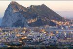 خمسيني إسباني يقطع 140 كلم سيراً لحل النزاع على جبل طارق
