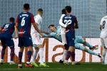 ليفانتي يلحق بريال مدريد الهزيمة الرابعة في الليجا