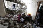 الاحتلال يهدم منزلين في القدس وتعتقل 13 بالضفة
