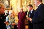 ملكة بريطانيا تتهم المسؤولين الصينيين بالوقاحة