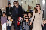 أنجلينا جولي تحصل على حضانة أطفالها