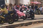 ما قصة الأعلام الأميركية التي رفعت وسط دمشق؟