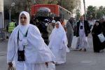 650 معتمرا من غزة غادروا إلى الأراضي المقدسة