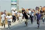 مستوطنون يحتجزون ثمانية مواطنين من بلدة يعبد