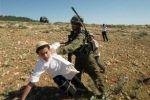 إصابة مزارع فلسطيني بنيران إسرائيلية في خان يونس