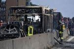 إيطاليا: اعتقال سائق حافلة خطفها وحرقها وبداخلها تلاميذ احتجاجا على سياسة الهجرة