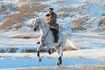 لماذا صعد زعيم كوريا الشمالية كيم جونغ أون الجبل المقدس ممتطيا صهوة جواد أبيض؟