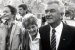 رئيس وزراء أسترالي سابق 'طلب من ابنته التكتم على اغتصابها'