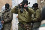 الأجهزة الأمنية تصادر كميات كبيرة من الأسلحة في مخيم جنين