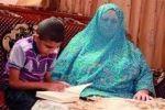 طفل فلسطيني معاق يحفظ القرآن كاملاً من قناة
