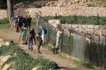 عشرات المستوطنين يقتحمون برك سليمان في بيت لحم