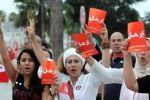 آلاف المتظاهرين في تونس يطالبون بإسقاط الحكومة