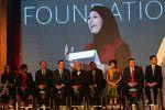 مفوض الاونروا: انجاز اللاجئة 'الحروب' منارة للامل والهام للجيل القادم