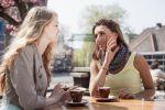 7 أمور تجنبي قولها لصديقتك العازبة