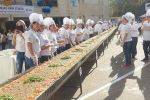 لبنان يدخل 'غينيس' بأطول 'منقوشة' في العالم