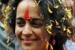 كاتبة هندية تعيد جائزة وطنية بسبب 'جرائم القتل المروعة'