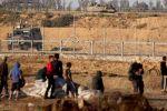 اكثر من 50 قذيفة اطلقت من غزة :جيش الاحتلال يغلق عددًا من الطرق الرئيسية في جنوب اسرائيل وغلاف غزة