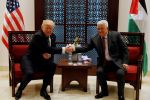 'هذه هي القصة'.. ترامب أبلغ عباس: لن تقوم دولة فلسطينية قبل تحقيق تطبيعا كاملا بين اسرائيل والعالم العربي