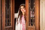 مريم أيوب تتألق بالثوب الفلسطيني في ذكرى تربعها على عرش الجمال