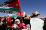 فيديو.. الاردنيون يحتجون على رفع أسعار المشتقات النفطية
