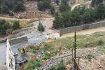 الطبيعة تهدم جدار الفصل العنصري قرب القدس!
