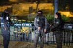 موقع اسرائيلي:منفذ عملية الطعن بالقدس يسلم نفسه