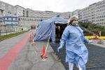 وفيات كورونا حول العالم تتجاوز 421 ألفاً
